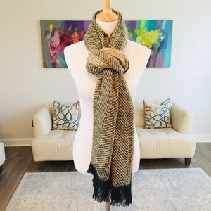 Accessories - 🔥SALE🔥Gold & Black Blanket Scarf with Fringe